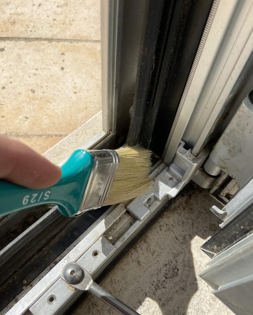 pulizia infisso manutenzione
